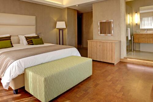 Walk this way cozy comfortable cork floors for Cork flooring in bedroom